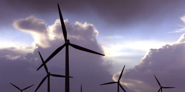 Le gouvernement ment aux Français, l'énergie éolienne pollue et nous coûte trop cher!