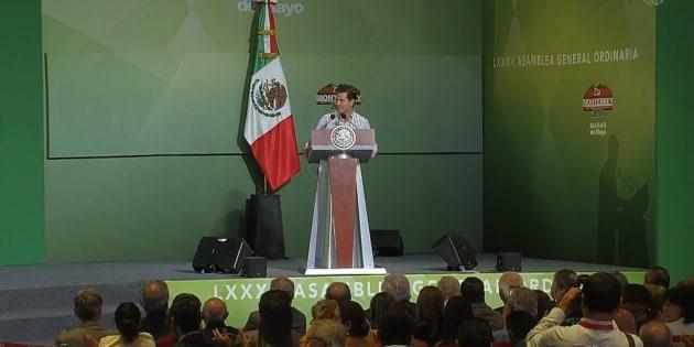El presidente Enrique Peña Nieto en la clausura de la 82 Asamblea General Ordinaria de la Confederación Nacional de Organizaciones Granaderas.