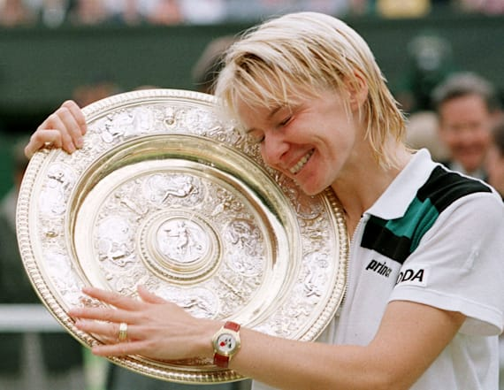 Wimbledon champion Jana Novotna dies at age of 49