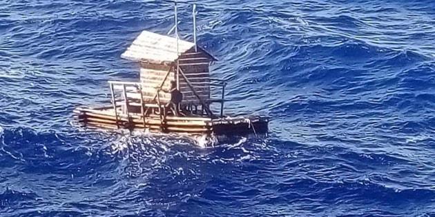 La sua zattera va alla deriva: 19enne sopravvive dopo 49 gio