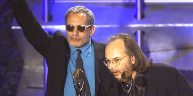 Musicians Donald Fagan (L) and Walter Becker (R) of Steely Dan speak to the audience after being inducted into the Rock and Roll Hall of Fame at a ceremony in New York on March 19, 2001.