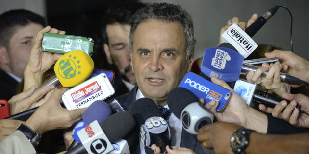 O senador Aécio Neves é réu no STF por corrupção e obstrução de Justiça.