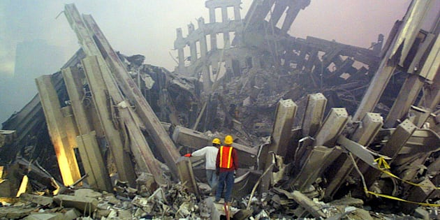 Dans les décombres du World Trade Center le 11 septembre 2001.