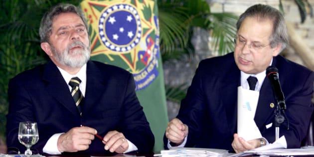 Lula e seu então chefe da Casa Civil, José Dirceu, na reunião dos 40 primeiros dias do 1º mandato petista, em 2003.