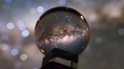 Cette incroyable photo de notre galaxie dans une boule de cristal n'est pas un