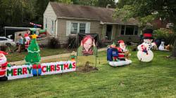 Un barrio de Ohio (EEUU) celebra la Navidad en septiembre para alegrar a un niño con