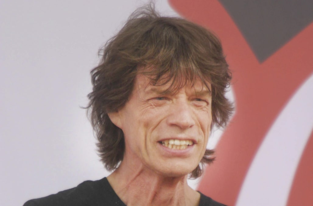 Mick Jagger recovering after heart surgery: report - AOL