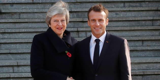 Le gouvernement d'Emmanuel Macron observe avec inquiétude les difficultés de la première ministre britannique Theresa May, qui bataille avec sa propre majorité pour faire valider son projet d'accord sur le Brexit.