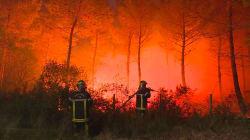 Les images impressionnantes des incendies qui ravagent la