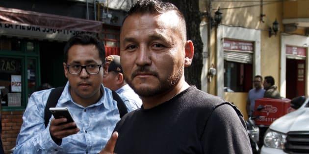 Pedro Carrizales Becerra, diputado local por SLP, a su llegada a una reunión con el presidente electo Andrés Manuel López Obrador.