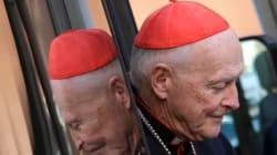 Papa Francesco accetta le dimissioni di