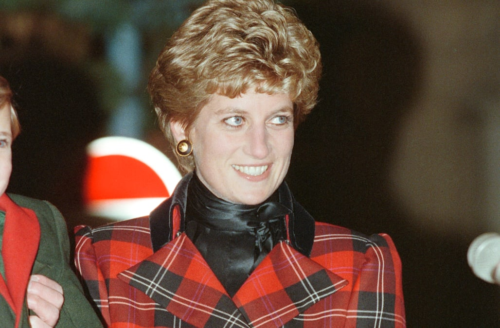 how princess diana accidentally broke tradition during her first royal christmas aol lifestyle how princess diana accidentally broke