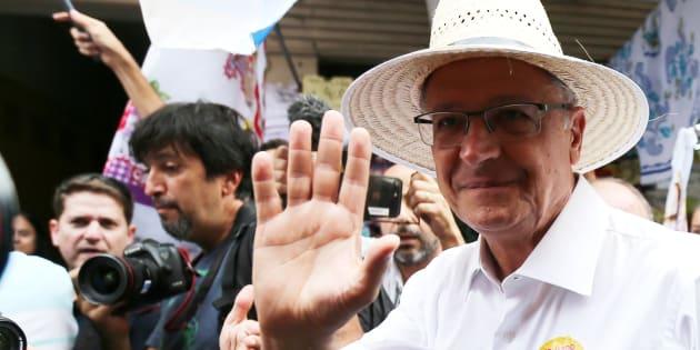 Geraldo Alckmin (PSDB) em campanha no Rio; tucano mira eleitor de Bolsonaro para crescer.