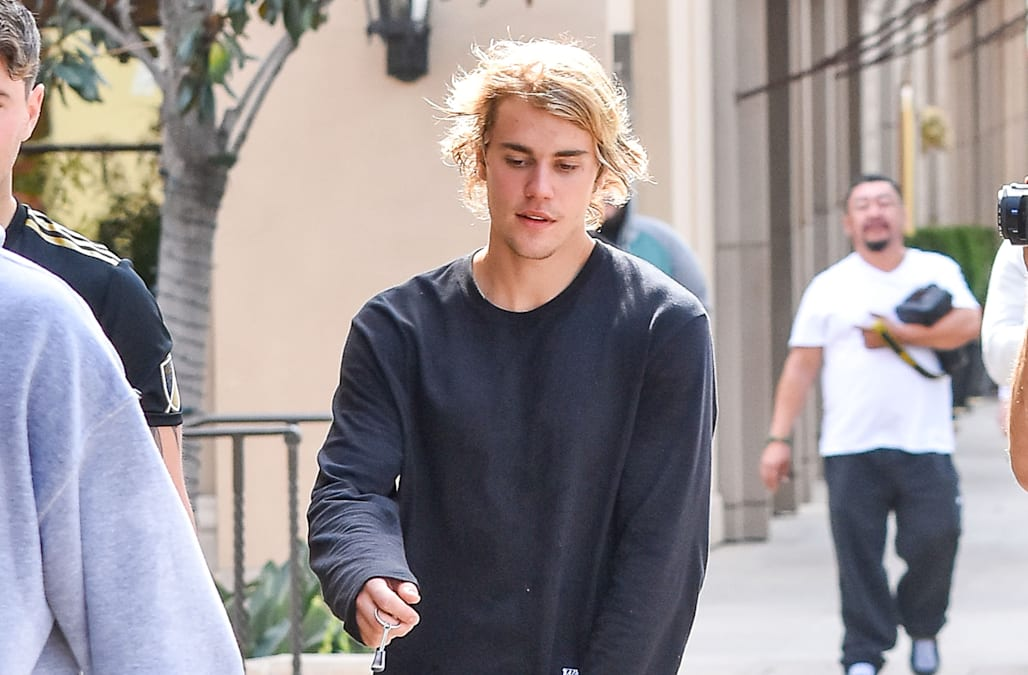 Justin Bieber Says He Plans To Grow His Hair Down To His Toes See