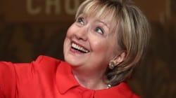 Hillary Clinton porte les chaussures que Katy Perry a imaginées en son
