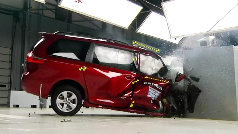 2018 Honda Odyssey bests Pacifica, Sienna in minivan crash, LATCH tests