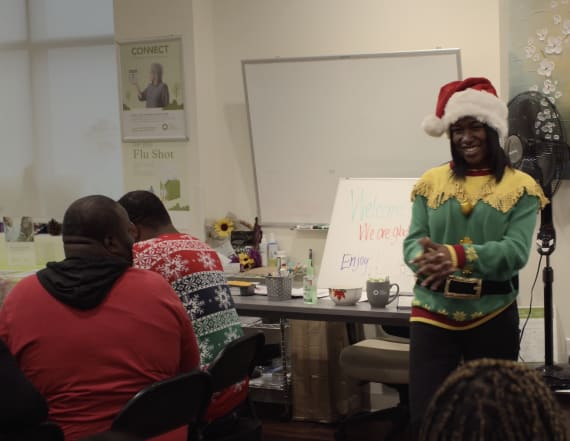 How this 17-year-old is spreading holiday cheer