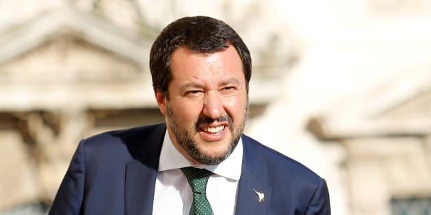 Matteo Salvini cite un des slogan de Mussolini le jour de l'anniversaire du dictateur