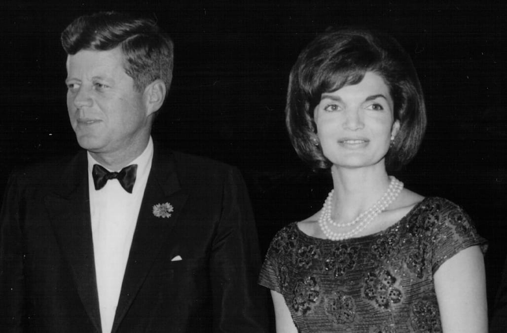 a biography of first lady jackie kennedy The film follows jackie kennedy in the days when she was first lady in the white house and her life immediately following the assassination of her husband, president john f kennedy, in 1963 it is partly based on theodore h white 's life magazine interview with the widow at hyannis port , massachusetts in november of 1963.