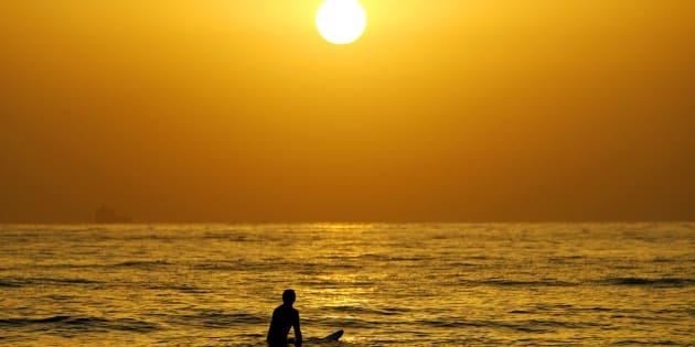 Even the ocean looks hot.