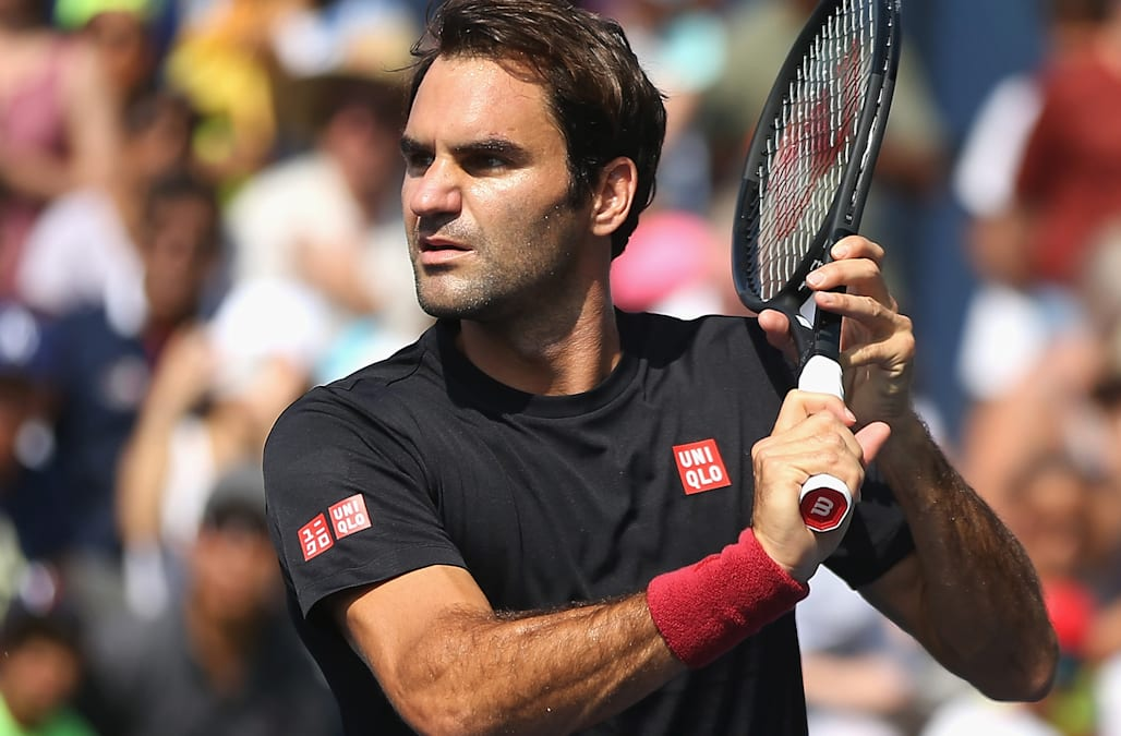 Roger Federer Admits He S Called Anna Wintour For Style Advice On The Courts Aol Entertainment