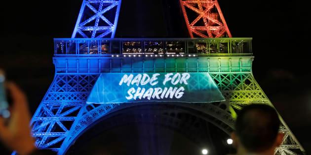Le slogan des JO2024 de Paris en anglais, le déshonneur de la langue française. REUTERS/Benoit Tessier