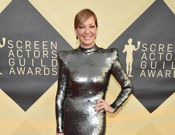 Allison Janney nearly twins with actress at SAGS