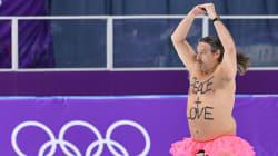 裸の中年男性がスケートリンクに乱入。謎の踊りに世界が凍った(平昌オリンピック)