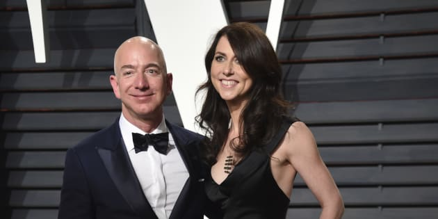 Jeff Bezos, left, and MacKenzie Bezos arrive at the Vanity Fair Oscar Party on Monday, Feb. 27, 2017, in Beverly Hills, Calif. (Photo by Evan Agostini/Invision/AP)
