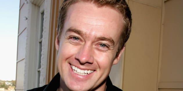 TV host Grant Denyer has escaped a car crash in Melbourne.