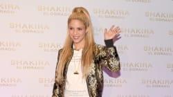 Esta foto noventera de Shakira ante un ordenador revela muchas pistas sobre su