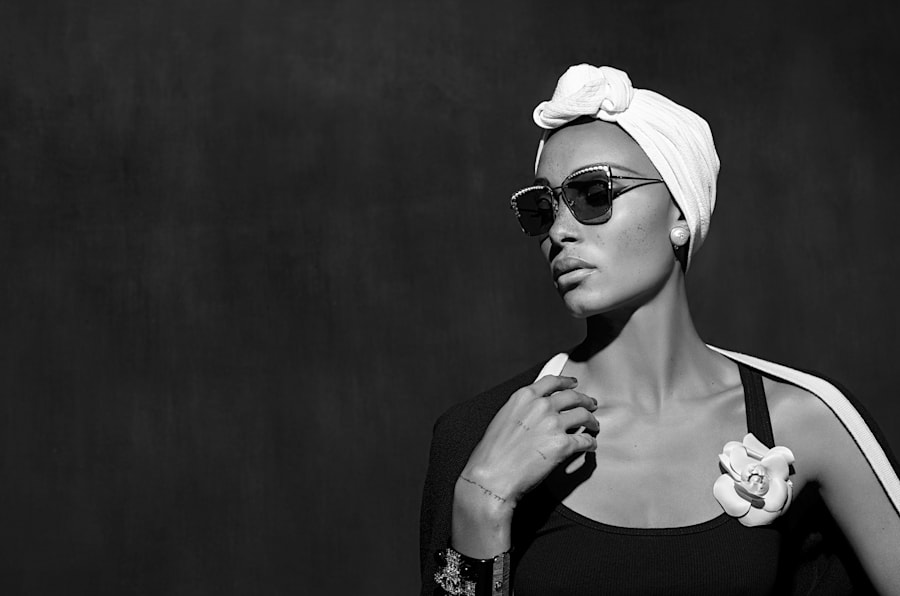 La modelo Aboah Adwoa protagoniza la campaña de lentes primavera-verano 2018.
