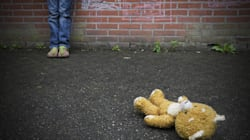 A 15 viene violentata in gruppo a Bari. Adescata con la scusa di offrirle un