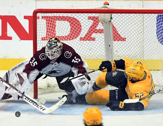 Avalanche stage late rally to edge Predators