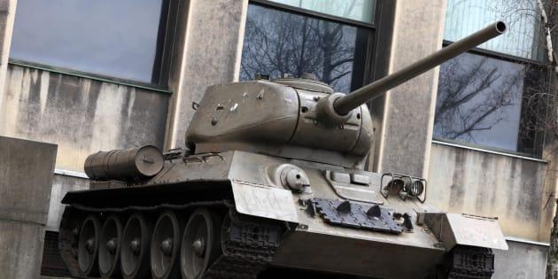 Tanque soviético en un museo al aire libre.