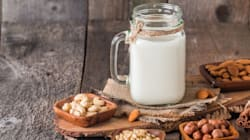 La leche de almendras, ¿en realidad debería llamarse