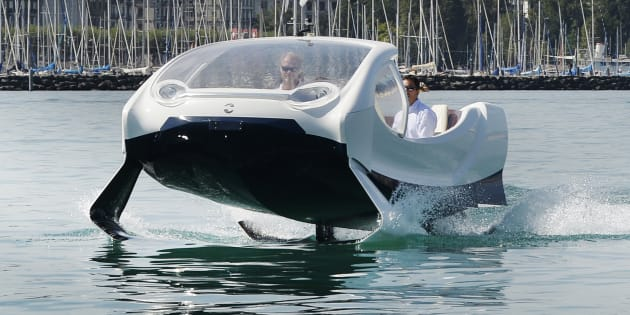 """SeaBubbles, la bulle écolo qui """"vole"""" sur l'eau"""