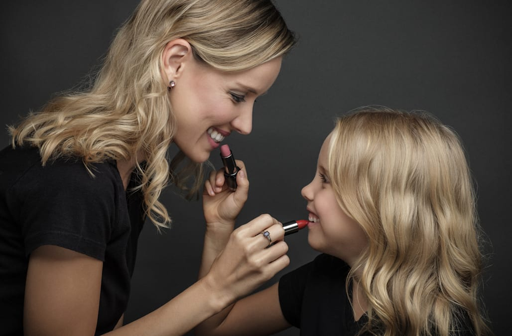 This Dove ad shows how a mother's body image affects her daughter's body image