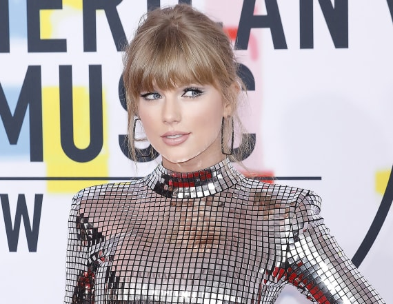 Taylor Swift gets political on Instagram again