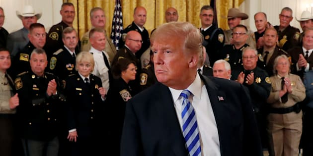 Panique à Washington, tout le monde chasse l'auteur de la tribune anonyme contre Trump