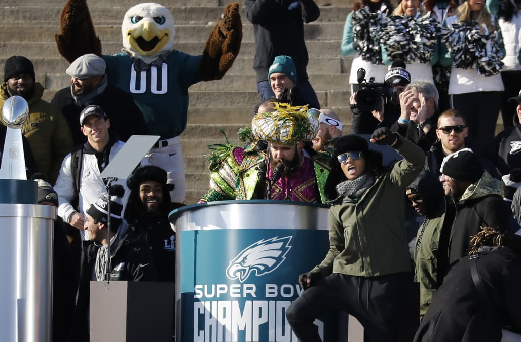 Jason Kelce lost his mind airing grievances at Eagles parade 4dc6e4bdd
