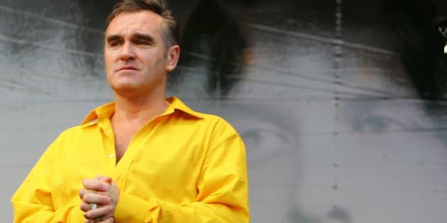 Cosa è successo al cantante Morrisey: contromano in auto a Roma