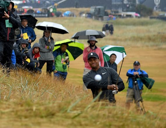 Tiger Woods nearly annihilates fans at British Open