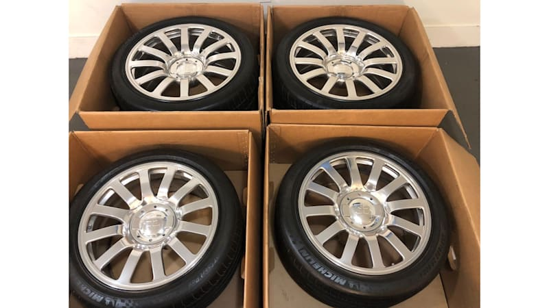 Used Bugatti Veyron Tires And Wheels On Sale For 100 000 On Ebay