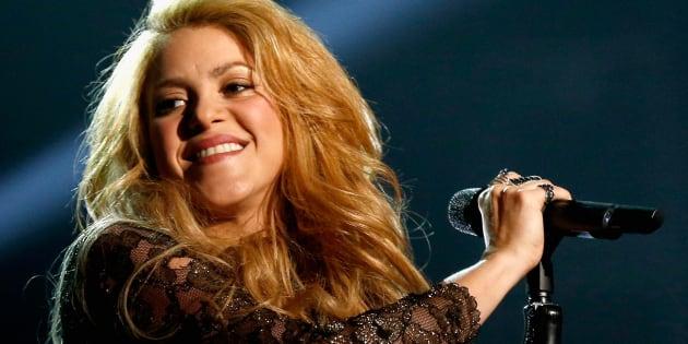 Visita de Shakira ao Brasil era para ter ocorrido no começo desseano, mas problemas nas cordas vocais obrigaram a cantora a remarcar datas.