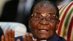 Quels scénarios pour Mugabe, exclu de son parti et poussé au