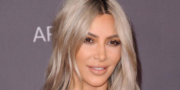 Kim Kardashian se met nue pour l'Amérique qui se lève tôt à Los Angeles