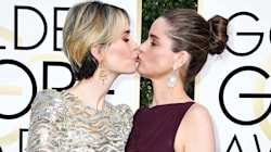 Sarah Paulson And Amanda Peet Kiss At The Globes 'Cause Why The Hell