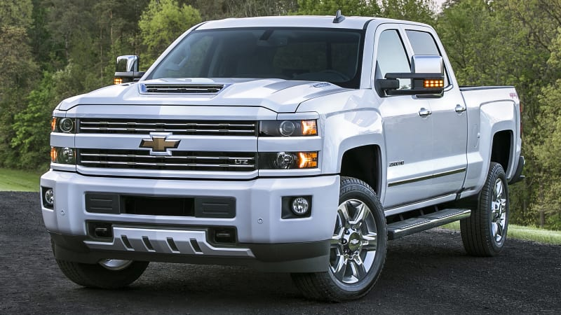 Update Chevrolet Officially Announced Specs For The 2017 Silverado Hd And Rumors Were True Truck S New Duramax 6 Liter Turbo Sel V8 Puts Out