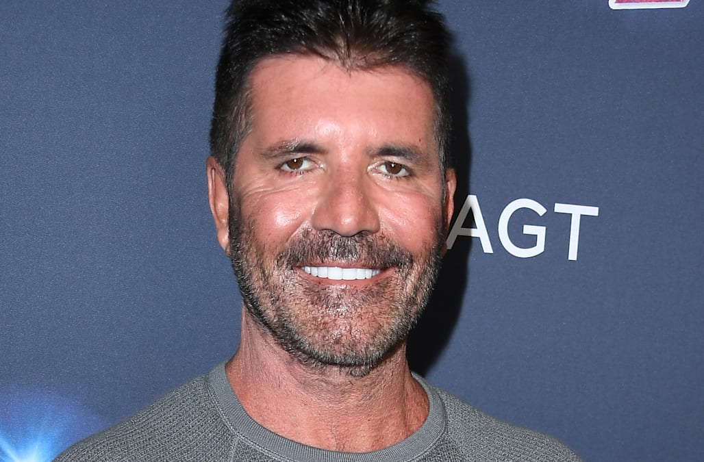 Simon Cowell Flaunts 20 Pound Weight Loss On Agt What S His Secret Aol Entertainment